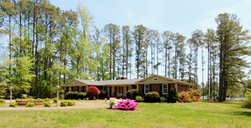 Featured Property in MATHEWS, VA, 23109
